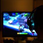 Exemplo de vitalidade: idosa desenvolve games para melhorar a saúde
